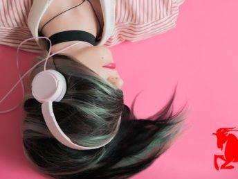 woman linstening music
